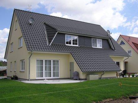 Mehrfamilienhäuser | Doppelhaus, Rückansicht seitlich