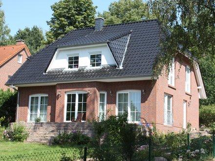 Einfamilienhäuser | Landhaus 161, Rückseite mit Erker