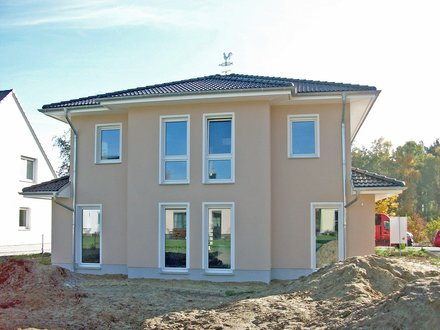 Stadtvillen | Einliegerwohnung_eingerücktes Dachgeschoss_Erker EG+OG_Luft/Wasser-Wärmepumpe_1512