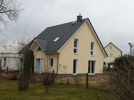 landhaus_142_putzfassade_eingang.jpg