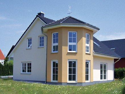 Einfamilienhäuser | Turmhaus 152 (Putzfassade), Gartenimpression in Bauphase