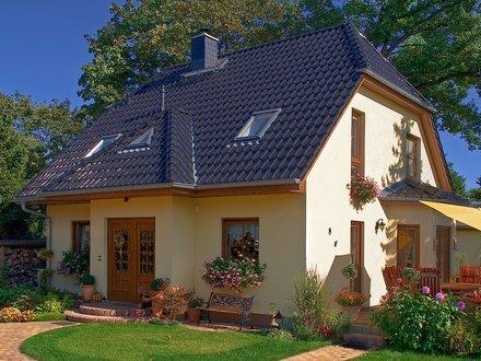 Einfamilienhäuser | Landhaus 142 (Putzfassade, Hauseingang)