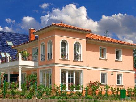 Stadtvillen | Villa Messina (Putzfassade), Seitenblick auf Terrasse und Turm