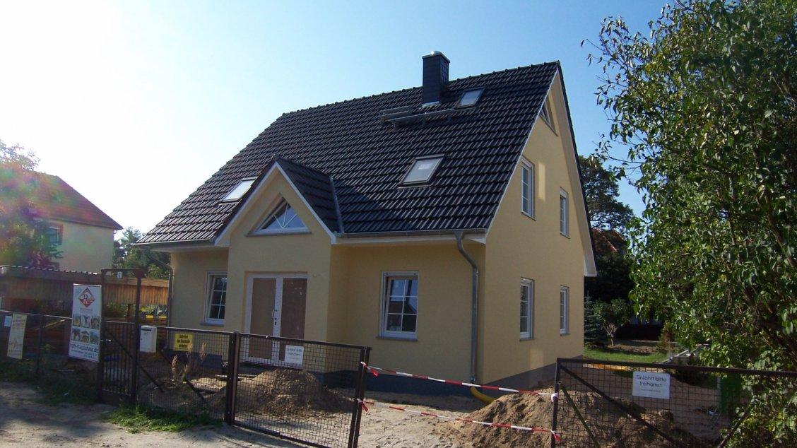 stadthaus 141 hausreferenz einfamilienh user berlin roth massivhaus. Black Bedroom Furniture Sets. Home Design Ideas