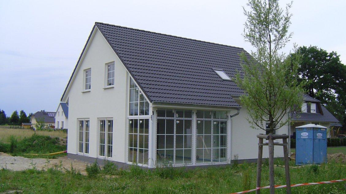 Landhaus mit wintergarten hausreferenz einfamilienh user for Grundrissplanung haus