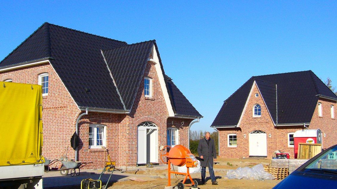 Einfamilienhäuser | Friesenhaus 145, zwei Friesenhäuser