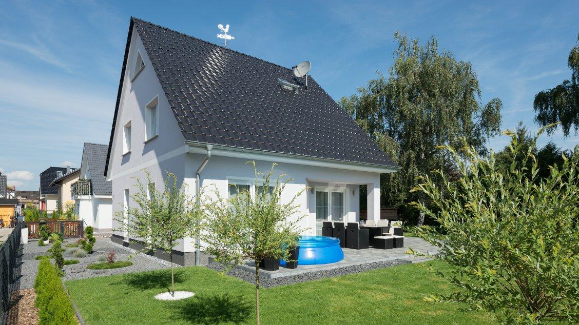 Einfamilienhäuser | Haus Wismar (Putzfassade), Schrägansicht Terrasse