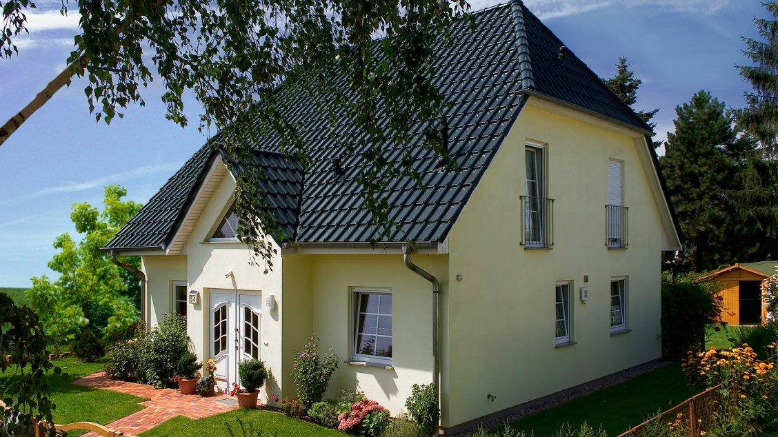 landhaus 142 einfamilienh user bauen roth massivhaus. Black Bedroom Furniture Sets. Home Design Ideas