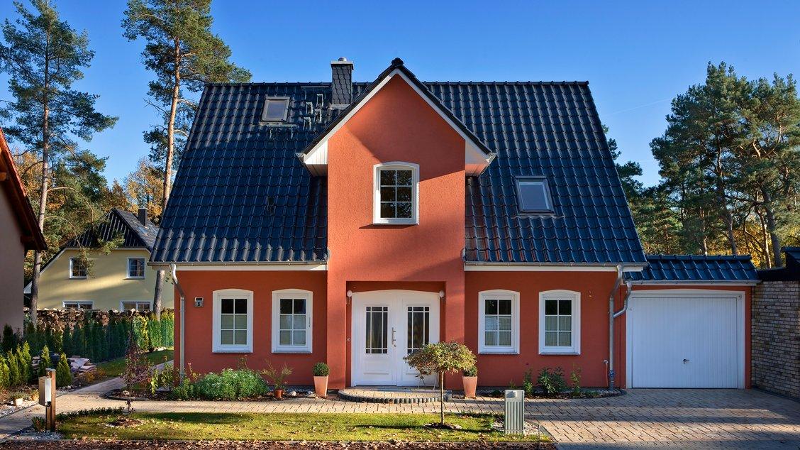 Einfamilienhäuser | Stadthaus 141 (Putzfassade), Hauseingang frontal