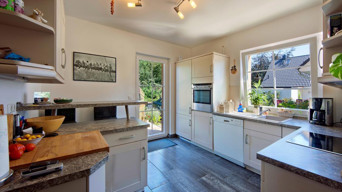 Einfamilienhäuser | Landhaus 142 (Innenaufnahme Küche)