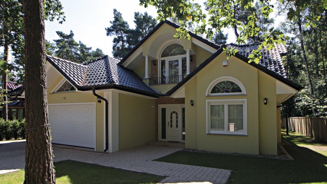 Exklusive Häuser | Landhausvilla Kanada (Putzfassade, Hauseingang schräg 2)
