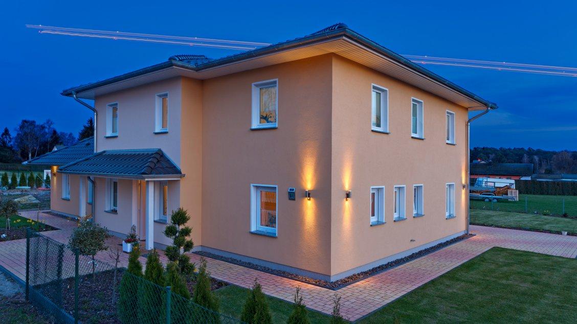 Mit bungalow als 3 generationen haus hausreferenz for Bungalow berlin