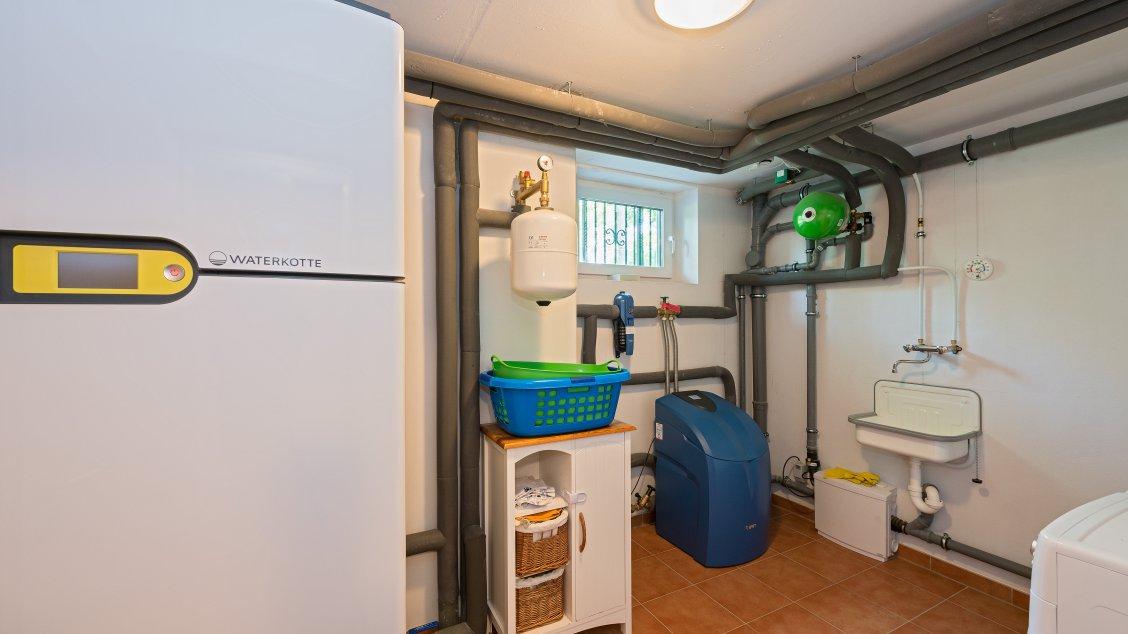 Mehrfamilienhäuser | Doppelhaus, Hauswirtschaftsraum mit Haustechnik