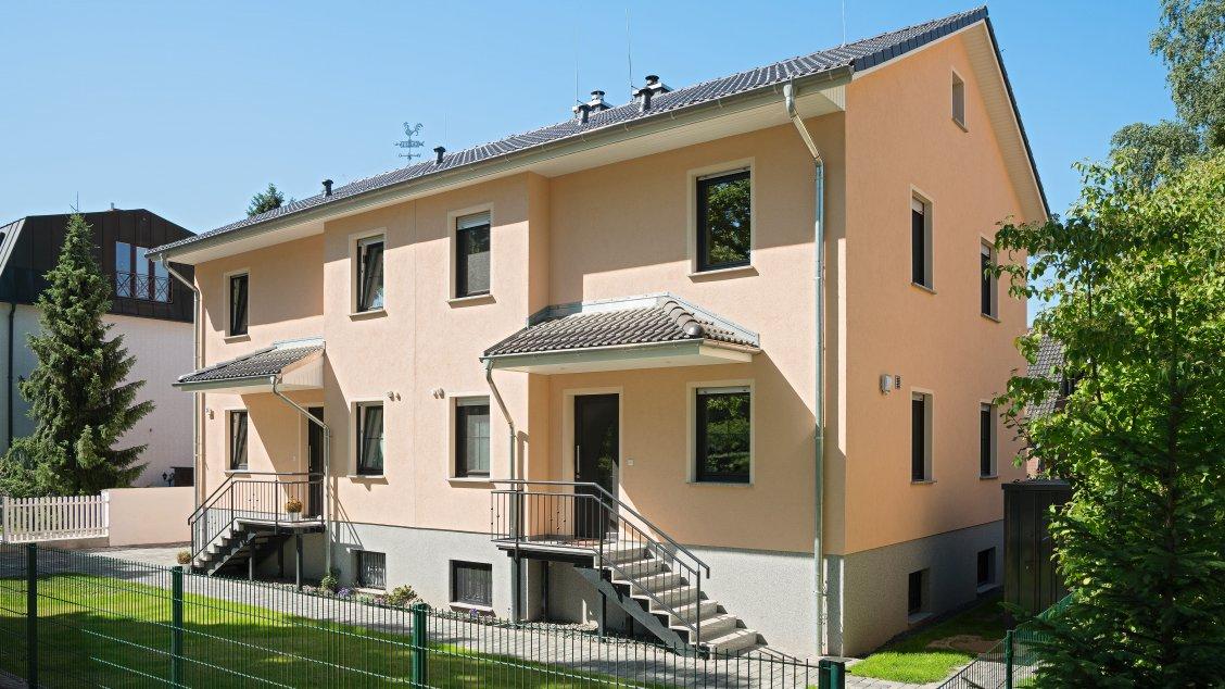 Doppelhaus als mehrgenerationenhaus im stile einer for Mehrgenerationenhaus berlin