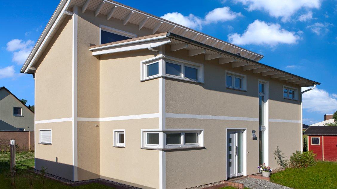 Moderne Häuser | Pultus 158 (Putzfassade), Schrägansicht Hauseingang Beige