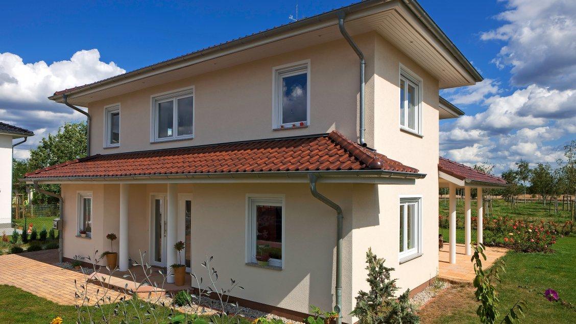 Stadtvillen | Villa Meran (Putzfassade), Schrägansicht Hauseingang