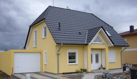 Stadtvilla mit seitlicher garage  EFH mit Garage und Krüppelwalmdach, Hausreferenz ...