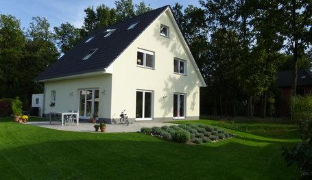 Individuelle Geplantes Efh Mit Garage Einfamilienhauser