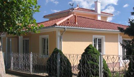 Turmhausbungalow Im Toskana Stil Energieeffizient Bauen Roth Massivhaus