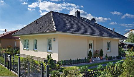 Massivhaus Birkenwerder bungalow mit sprossenfenster hausreferenz bungalows