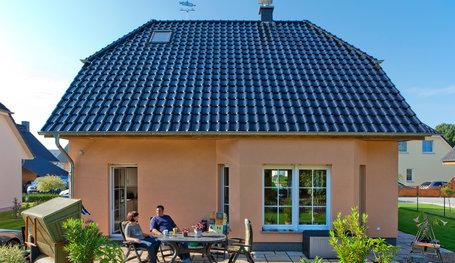 landhaus 124 einfamilienh user individuell bauen roth massivhaus. Black Bedroom Furniture Sets. Home Design Ideas