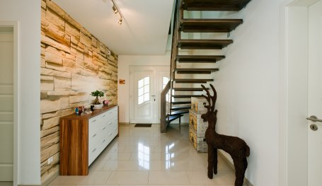 haus f hr 158 exklusive h user individuell bauen roth massivhaus. Black Bedroom Furniture Sets. Home Design Ideas