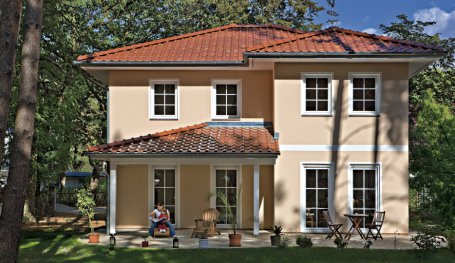 Sprossenfenster stadtvilla  Stadtvilla Verona: Moderne Toskana-Stadtvilla mit Walmdach | Roth ...