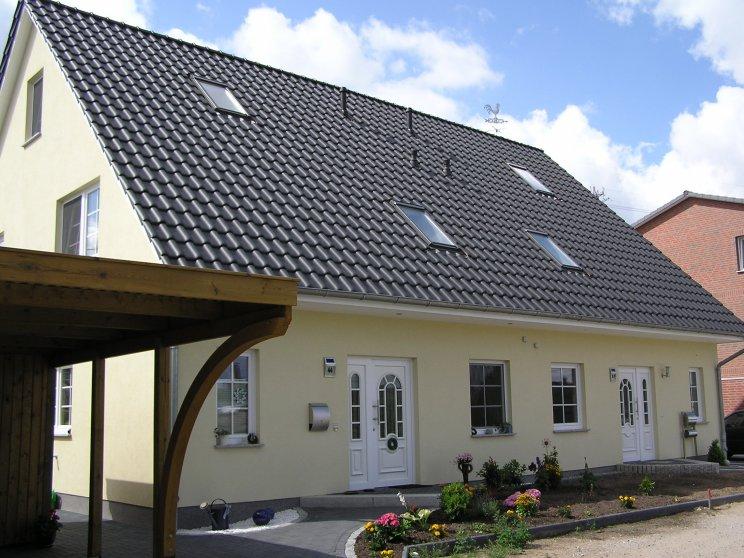Mehrfamilienhäuser | Doppelhaus, Vorderansicht, Eingänge