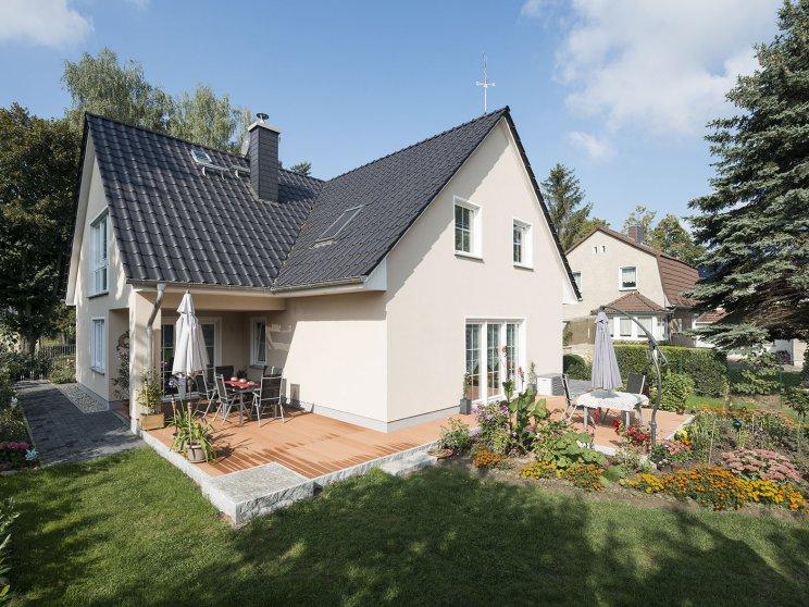 Roth | Mehrfamilienhaus | drei Giebel, Terrasse