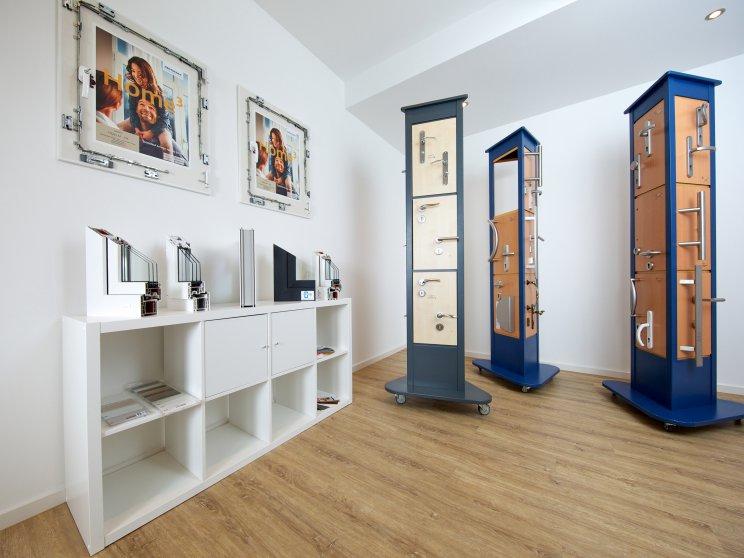 Roth Massivhaus | Standort: Niederlassung Hamburg, Bemusterung Türen, Klinken und Fensterrahmen
