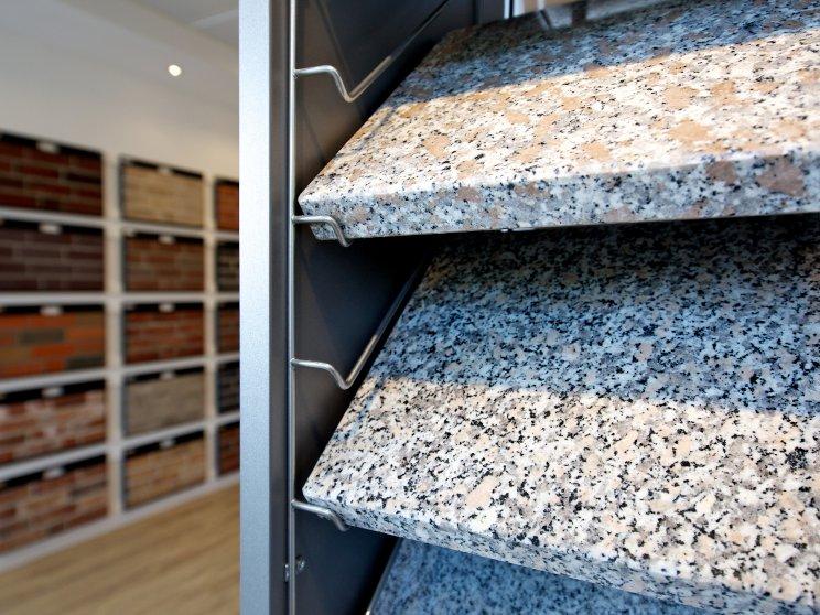 Roth Massivhaus | Standort: Niederlassung Hamburg, Bemusterung Granitplatten