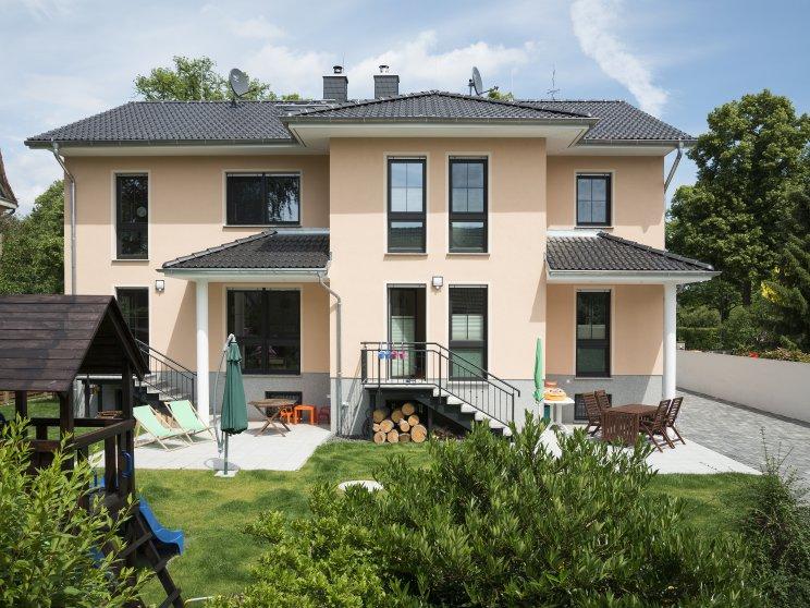 Mehrfamilienhäuser | Doppelhaus, Gartenseite