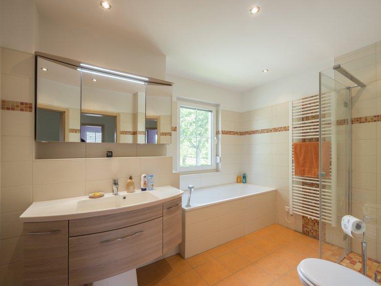 Mehrfamilienhäuser | Doppelhaus, Badezimmer