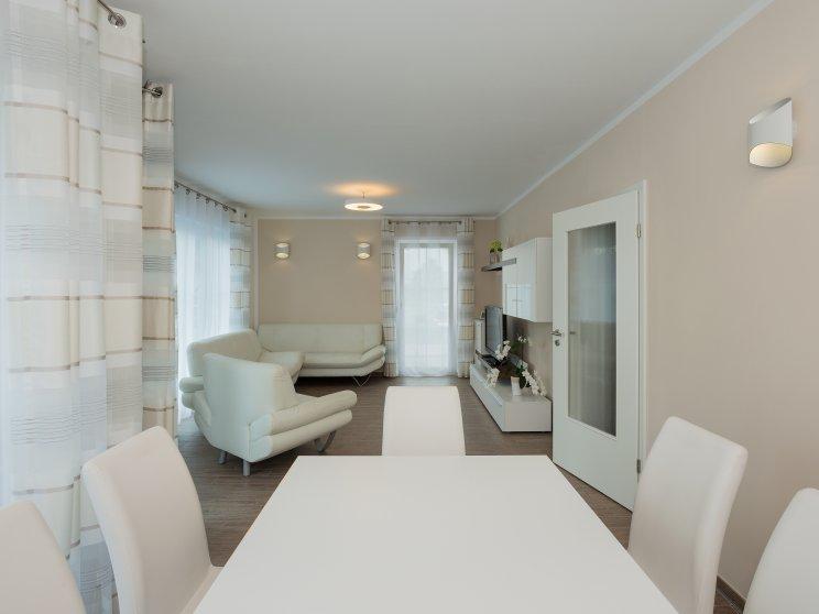 Einfamilienhäuser | Haus Wismar, Innenaufnahme Esszimmer Wohnzimmer