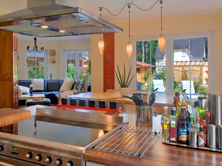 Einfamilienhäuser | Turmhaus 199, Innenaufnahme Küche 2