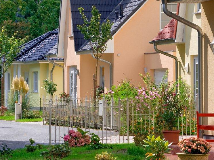 Einfamilienhäuser | Friesenhäuser (Häusersiedlung, Straßenansicht)