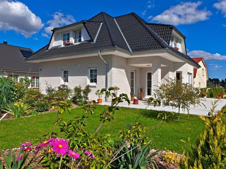 Exklusive Häuser | Haus Rügen (Klinkerfassade, Gartenansicht 2)