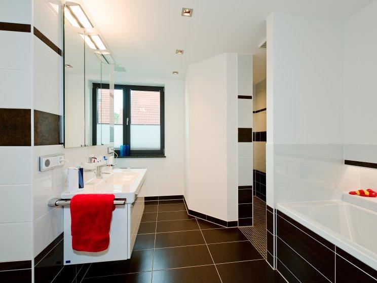 Moderne Häuser | Cubatur (Freie Planung, Putzfassade), Innenansicht Badezimmer
