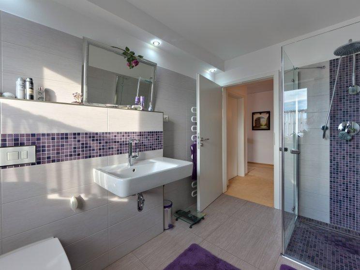 Mehrfamilienhäuser | Freie Planung, Innenaufnahme Badezimmer