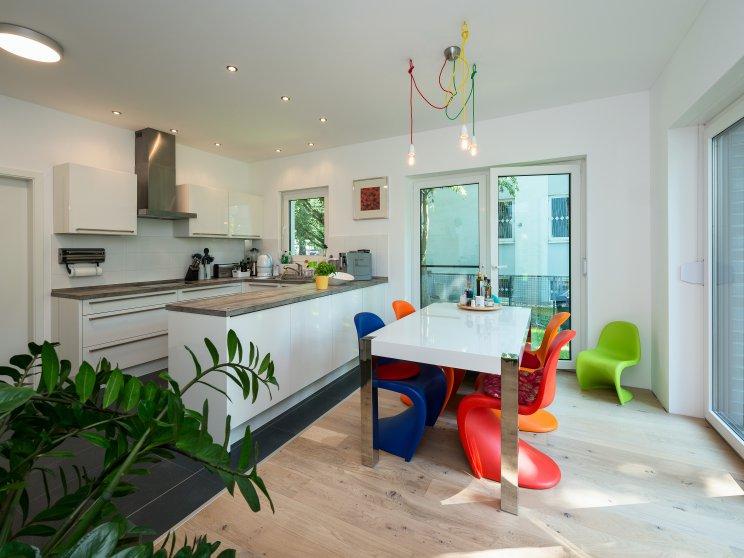 Moderne Häuser | Cubatur 155, Küche mit Essplatz