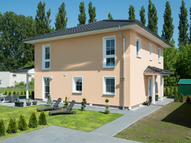 Stadtvillen | Villa Verona (Putzfassade), Gartenimpression
