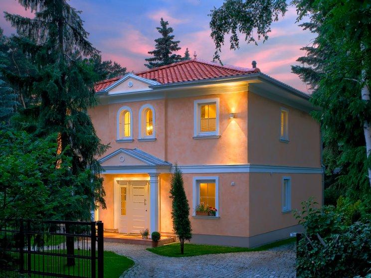 Stadtvillen | Villa Messina (Putzfassade), Toreinfahrt Grundstück