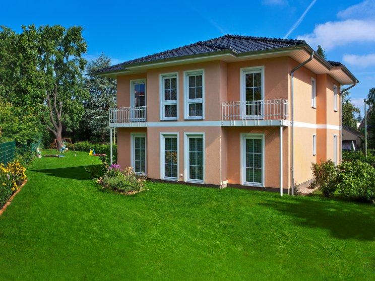 Stadtvillen | Villa Lugana (Putzfassade), Gartenansicht