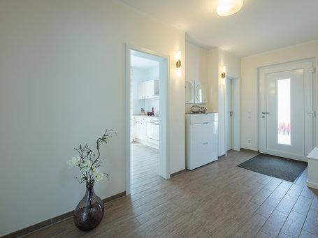 haus wismar einfamilienh user individuell bauen roth massivhaus. Black Bedroom Furniture Sets. Home Design Ideas